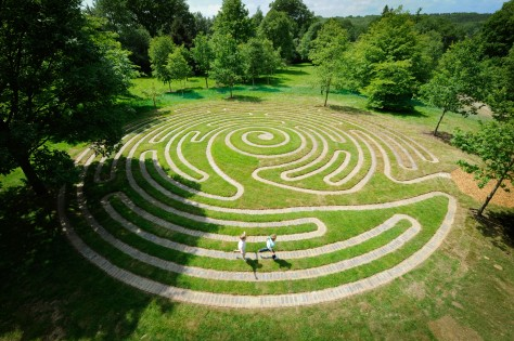 Wakhurst_Labyrinth01JH1